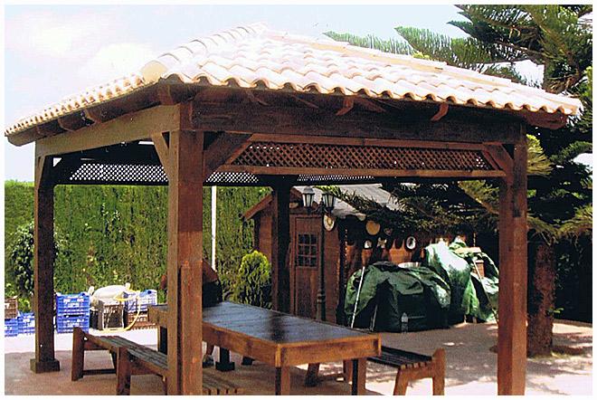 Pergolas valencia maderas hispania tarimas y frisos for Garajes originales