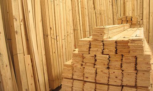 Maderas hispania maderas vigas de construcci n tarimas for Vigas de madera para jardin