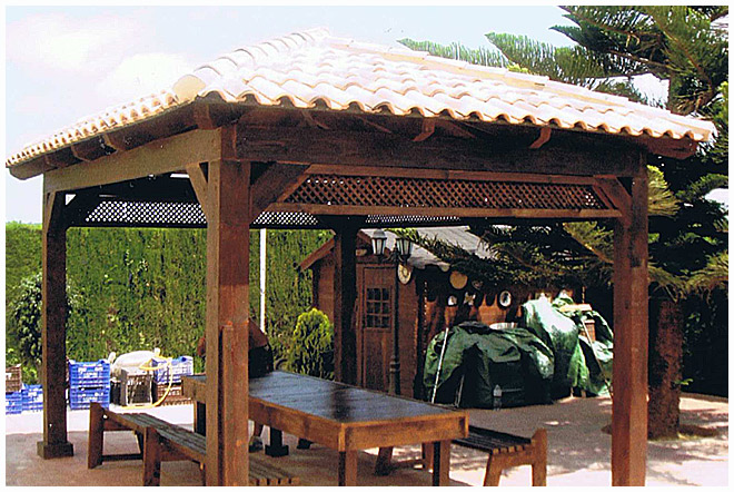 P rgolas valencia p rgolas a medida maderas hispania for Imagenes de tejados de madera